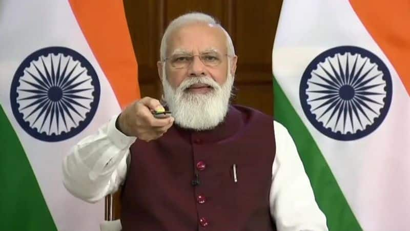 Bharathi on the way to Bharat ... Prime Minister Modi immersed in Mahakavi's poems ..!
