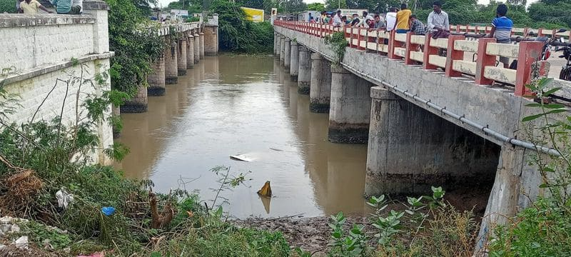 teenager dead and 7 injured when car sinks in canal after accident in bapatla