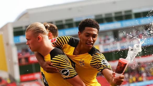 England 18 year old midfielder tasted first beer Thrown By Crowd during game ckm