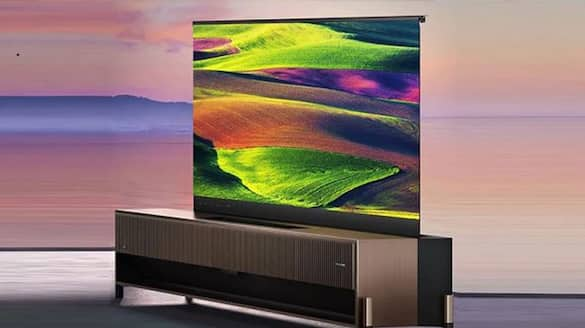 The rotating screen of the TV will make the house a theater, Such sound will not be found even in cinema halls