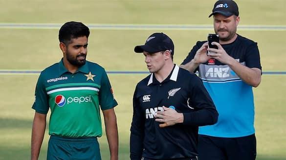 Pakistan PM Imran Khan demands Ramiz Raja to changes in t20 worldcup squad