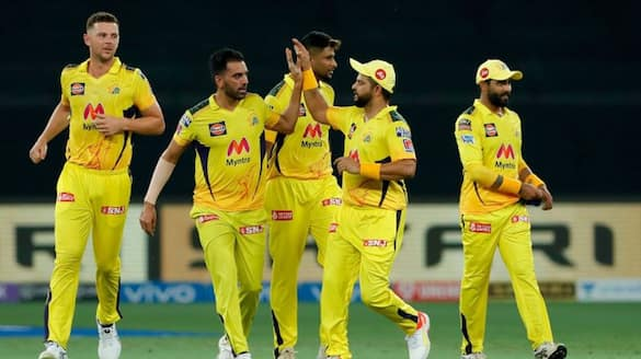 mumbai Indians lost fourth wicket while chase decent total against chennai super kings