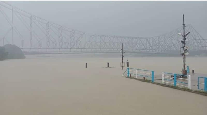 waterlogged in various area of south bengal due to heavy rain bmm