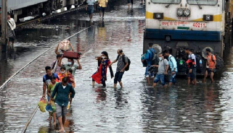 Heavy Rain fall  forecast  in Kolkata and North Bengal due to the deep depression  and Nabanna has opened control room RTB