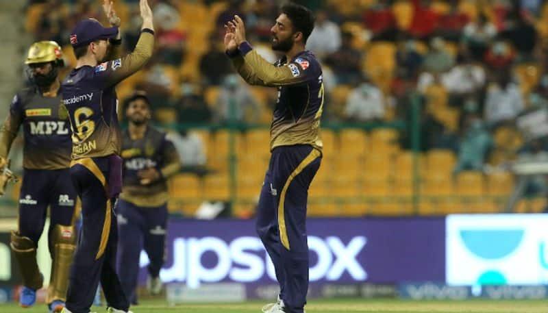 virat kohli praises tamil nadu spinner varun chakravarthy bowling after kkr vs rcb match in ipl 2021
