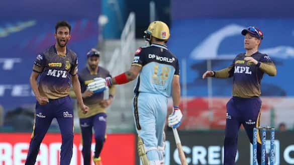 IPL 2021, KKR vs RCB: Meme fest breaks out as RCB gets shot out for 92 and loses by 9 wickets-ayh