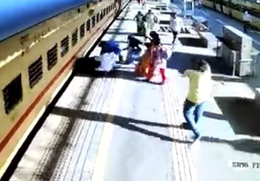 Passengers save older woman as she falls while boarding the moving train; watch video - gps