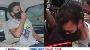 Video: जेल से बेल, 62 दिन बाद घर पहुंचे राजकुंद्रा को Shilpa Shetty ने लगाया टीका, चेहरे पर दिखा दर्द
