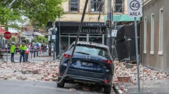 Earthquake shakes Australia, buildings collapse, no tsunami alert issued