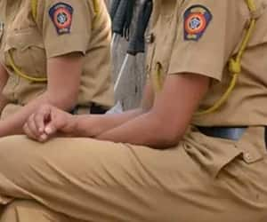 reduces working hours of women cops to 8 hours from 12...maharashtra government
