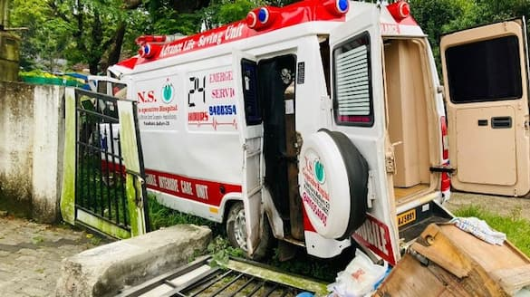 Ambulance accident covid patient died three injured
