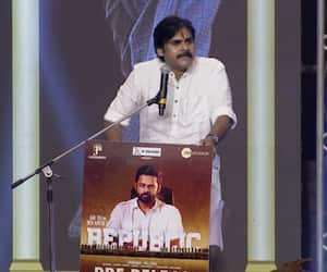 pawan klayan fires on ycp government drags chiranjeevi in controversy