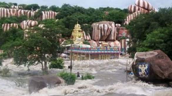 vanadurga bhavani temple in yedupayala closed due to manjira flood
