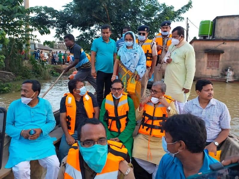 Flood situation deteriorated in Medinipur minister requests officials to keep an eye on the river dam bmm