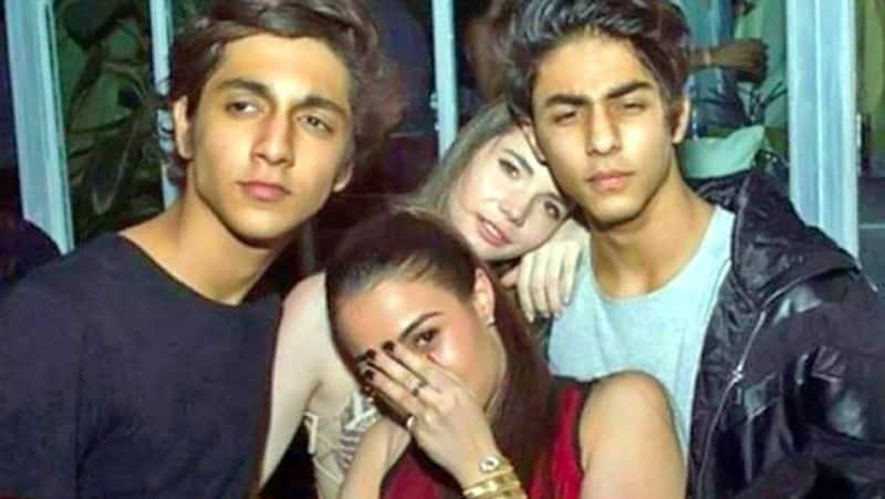 Sharuk khan son aryan arrest - whats app chats revealed