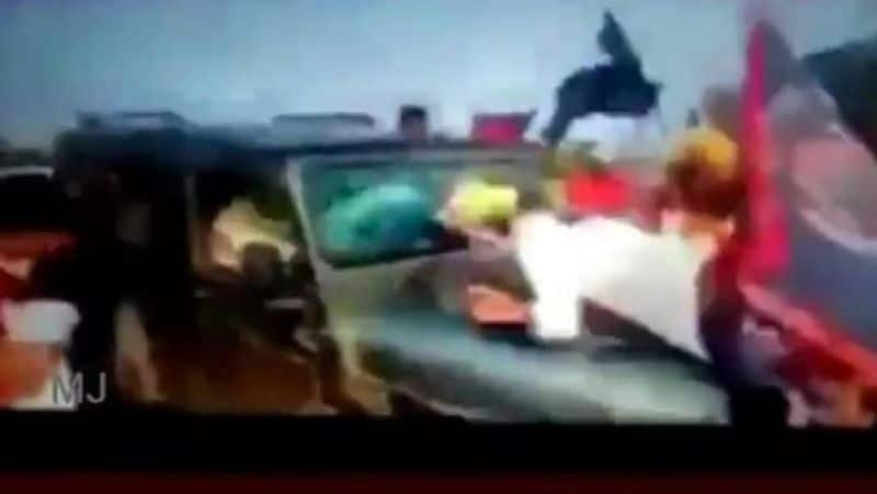 UP Farmers hit vechicle video released