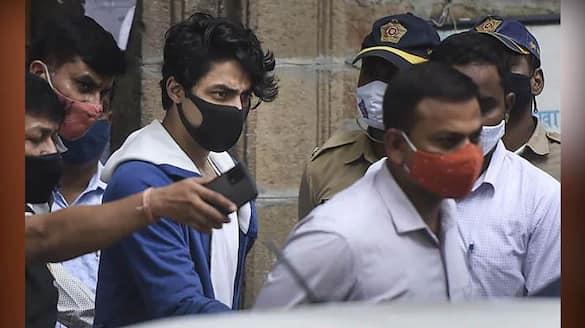 Shah Rukh Khan sends Rs 4,500 to Aryan Khan ..!