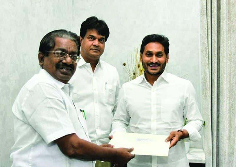 Stalin mobilizes state chief ministers against Modi ... dmk mp met telangana chief minister.