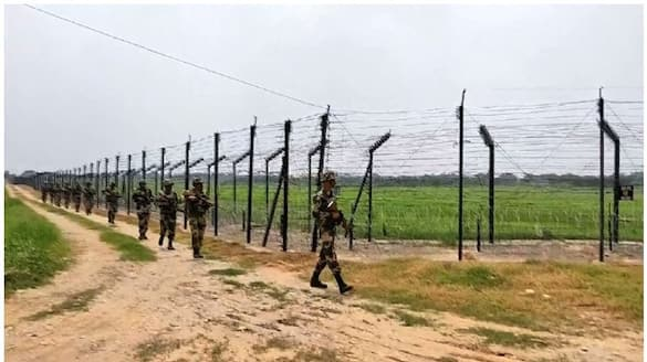 BSF officer worked as spy for Pakistan arrested at gujarat