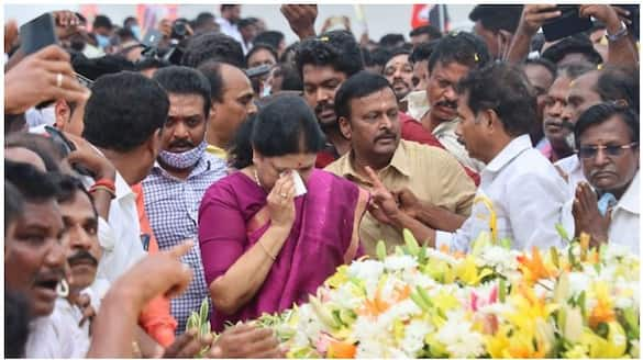 Sasikala shed tears at the memory of J. ... vow again ..!
