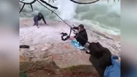 Watch Sikh men use their turbans to rescue stranded hikers at Canada waterfall-dnm