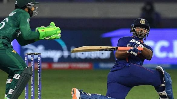 T20 World Cup 2021, rishabh pant hits 2 one handed six in hasan ali over