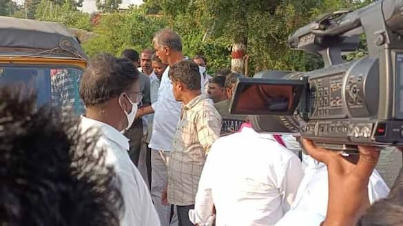 Telangana Finance Minister Harish Rao comes to rescue of accident victims