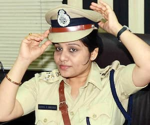 IPS officer D Roopa transferred to Railways department 17 IAS 33 IPS officers trasferred