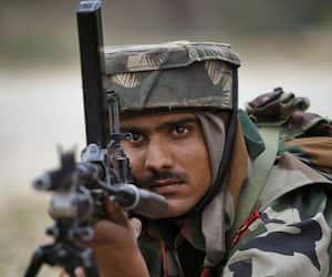 Army hunts down terrorists Kashmir, untrained local Indian troops