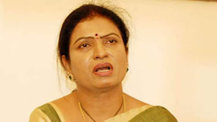ex minister, bjp leader dk aruna sensational comments on cm  kcr