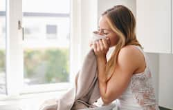 <p><strong>Gets rid of laundry odour: </strong>Sometimes even after a wash, your bath towels and other clothes may still have some lingering odour. Get rid of this smell by pouring a small amount of mouthwash and give it a good rinse.</p>